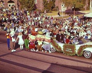 walt_disney_grand_marshall_tournament_of_roses_rose_parade_1966