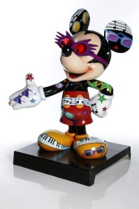 mickey-mouse-statue